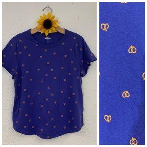 Old Navy Blue Pretzel Print T Shirt